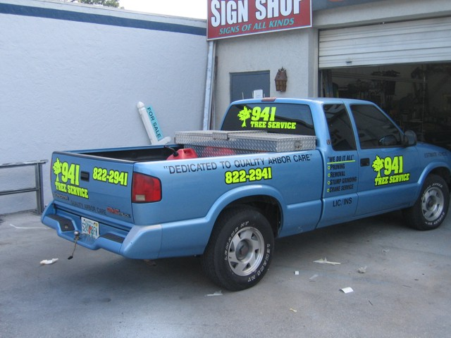Vehicle Lettering & Graphics for 941 Tree Service. CLICK HERE to return to main portfolio page.